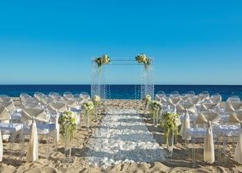 Beach wedding in Cabo